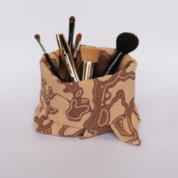 Makeup bag beige
